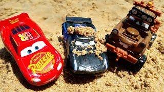 #МАШИНКИ Маквин и Джексон Шторм гонки по песку. Машинки для мальчиков.
