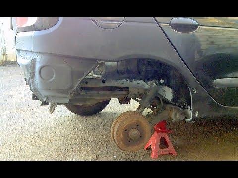 Болезнь Renault Megane, ремонт крепления заднего амортизатора.