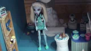 Mi Nuevo Canal Y Mi Casa De Monster High. My New Channel And My House Of Monster High. 我的新頻道和我的怪物高房子