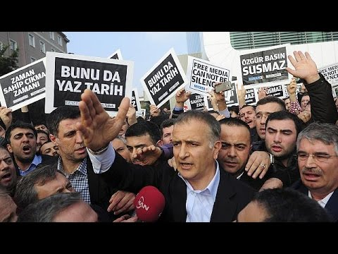 L'UE condamne les arrestations de journalistes en Turquie