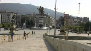 アキーラさん散策④旧ユーゴスラビア・マケドニア・スコピエ・マケドニア広場・Skopje,Macedonia