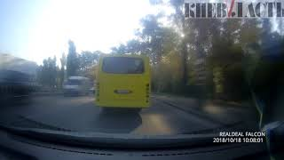 Как киевские маршрутки едут «на красный»