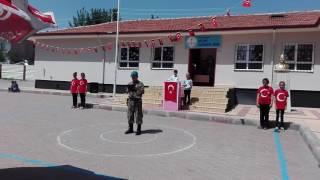 15 Temmuz Ömer Halis Demir 30 Kuş şiiri Muhteşem Gösteri ( Emirhan Şahin)