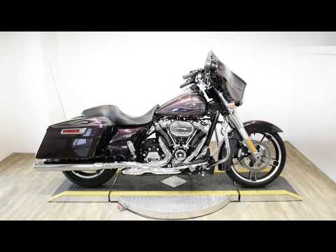 2017 Harley-Davidson Street Glide® Special in Wauconda, Illinois - Video 1