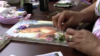 Fazendo bordados na tela de pintura