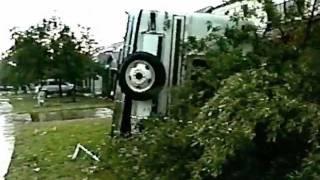 Cedar Park, Texas Tornado 1997 (Video #2)