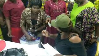 EDO 2020: APC Caught Distributing Money, Wrapper in Exchange for Voter Cards
