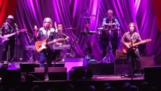 Las Vegas Turnaround (The Stewardess Song)  Hall And Oates The Borgata Atlantic City, NJ 6/27/2015