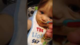 Feeding 8 month old chunky baby food