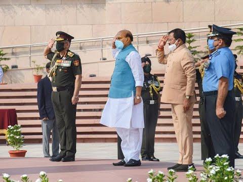 Kargil Vijay Diwas: Rajnath Singh pays tributes to fallen soldiers at National War Memorial