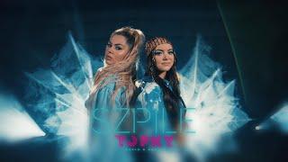 Kadr z teledysku Szpile tekst piosenki Topky