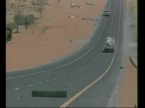 موقف خطير حدث أثناء تصوير الشاحنات في الإمارات