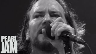 """Amongst the Waves"" (Music Video) - Backspacer - Pearl Jam"
