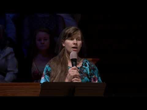 Почему девушки в церкви ходят в платках