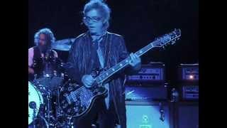 Cheap Trick Need Your Love Tom Petersson 12 String Bass Focus 06-09-13 Santa Barbara Bowl