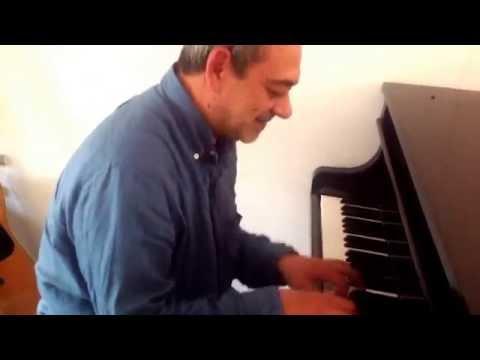 Un riff al piano per il compositore di Sochi