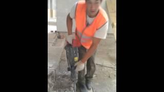 Смотреть онлайн Татарские строители прикалываются на работе