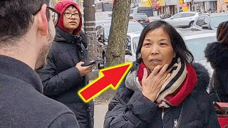 White Guys Surprise Locals with Rare Chinese Dialect, They are Stunned