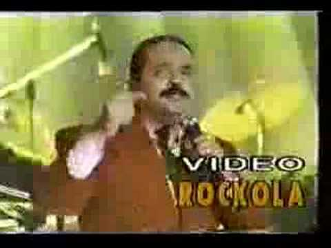 Idilio. Willie Colon online metal music video by WILLIE COLÓN