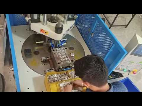 Plastic filter injection moulding machine