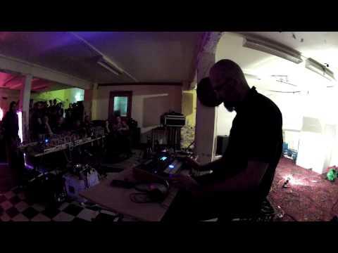 anti laptop live tempest jam takes drum machines into unexplored territory synthtopia. Black Bedroom Furniture Sets. Home Design Ideas