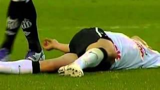 Футболист потерял сознание на поле