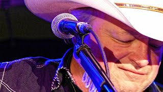 Mark Chesnutt - I'm So Lonesome I Could Cry [Live]