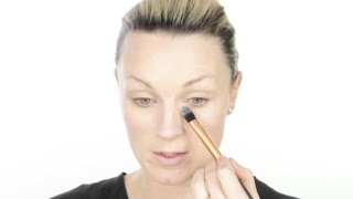 How To Choose The Right Foundation Brush