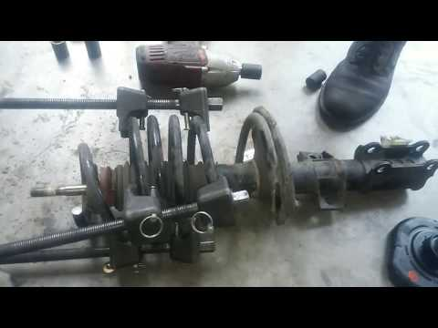 How to Replace Strut Assembly 01-07 Volvo V70