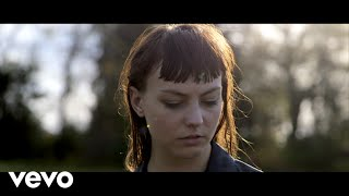 "Angel Olsen - ""Windows"" (Official Video)"