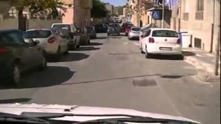 preview picture of video 'Pericoloso dissesto stradale a  Melito di Porto Salvo'