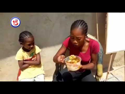 Iya Ibadan cosin centa eating her student's food