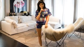 Kylie Jenner Is Struggling To Sell Her UNIQUE 'Starter Home'