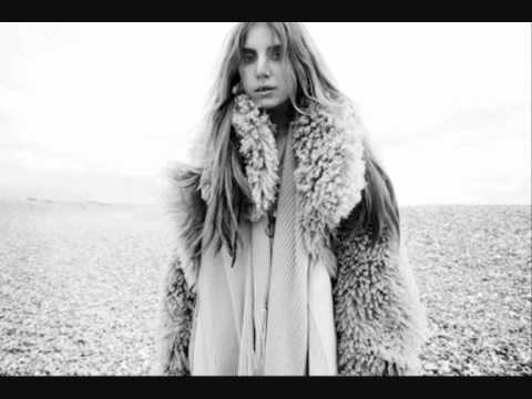 Lykke Li - I Know Places video