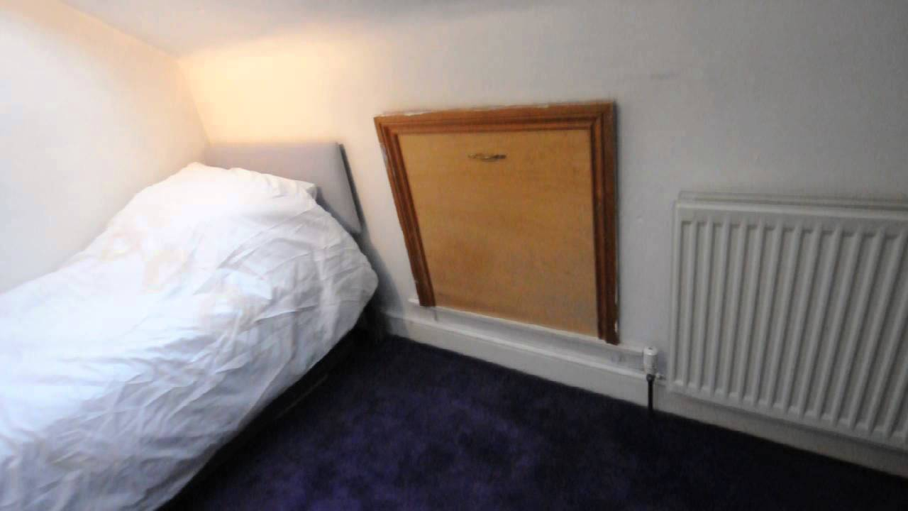 1 Bedroom with Ensuite Bathroom for Females in Family House in Tooting Bec Area