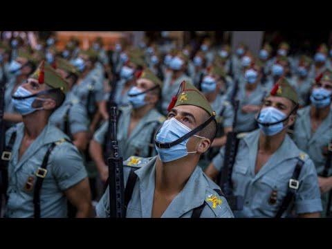 Ισπανία: Η χώρα τίμησε με στρατιωτική παρέλαση την εθνική γιορτή της…