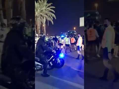 بالفيديو.. اشتباكات بين اللاعبين والجمهور العراقي بعد تضاؤل حظوظ التأهل للمونديال