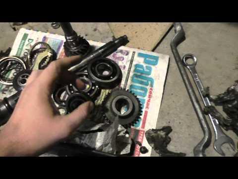 Фото к видео: ВАЗ 21214 Нива. Ремонт КПП пятиступки. Дефектовка.