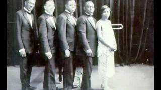 Louis Armstrong & His Hot Five - Heebie Jeebies