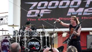 Anvil - School love - 70000 Tons of metal 2015