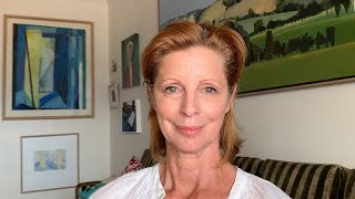 Heather Mitchell Gives Reading of Noël Coward's Verse 'Social Grace'