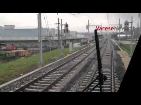 Il primo treno Tilo entra alla stazione di Stabio