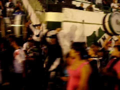 """""""la gloriosa villa mitre entrando a la cancha"""" Barra: La Gloriosa • Club: Villa Mitre"""