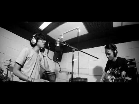Hoolahoop - Angel Or Keisha (Official Music Video)