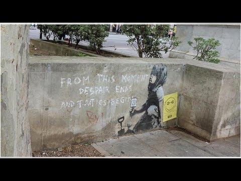 Gizemli graffiti sanatçısı Banksy yeni resmini Londra'da bir duvara yaptı