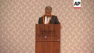 Hawaiian Governor greets Japanese PM Abe