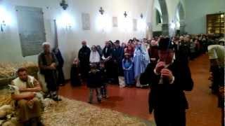 preview picture of video 'Presepe vivente San Francesco Fondi con zampognari 6 gennaio 2013'