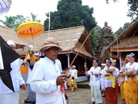 Mapepada-Wewalungan-Pura-Pucak-Alasangker-Desa-Selat.html