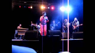 Charles Bradley and his Extraordinaires - You Put The Flame On It - Live in Berlin 2013
