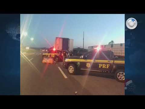 Caminhão carregado de cigarros é apreendido em Balsa Nova - SBT Paraná (14/12/17)